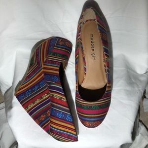Madden Girl Craftty multi color wedge size 8